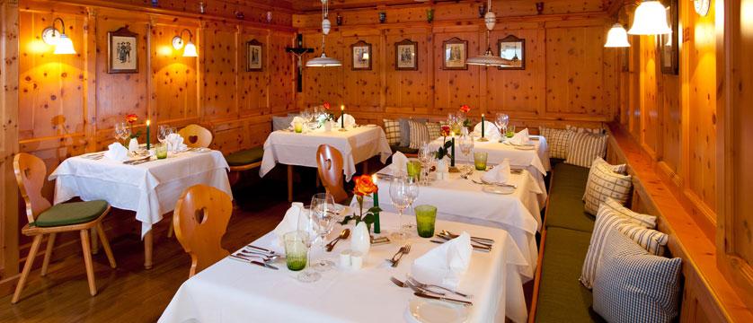 Hotel Kaiserhof, Kitzbühel, Austria - Dining room.jpg